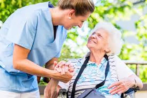 aides-personnes-âgées-paris