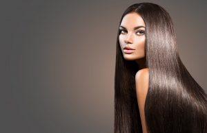 Beaux cheveux longs.